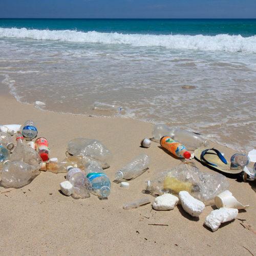 La transformación de los residuos plásticos marinos