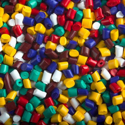 ¿Cuál es el proceso de transformación del plástico?